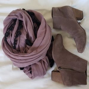 Crown Vintage Booties - Mauve - Sz 7.5